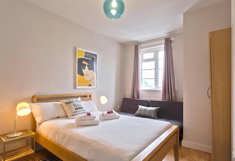 Edgware Road Apartment, London