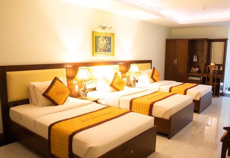 7S Hotel Pleiku, Pleiku, Basic Triple Room, Bilik Tamu