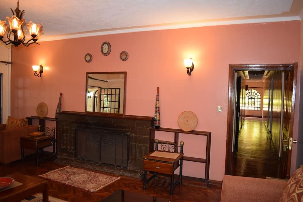 Studio, Garden View - Living Area