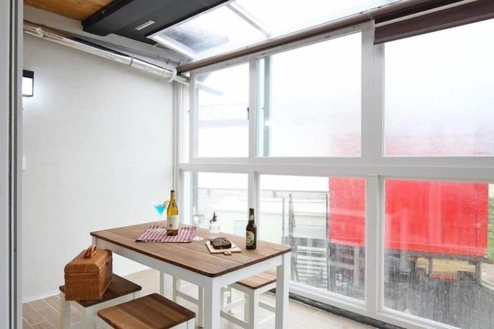 Room (Pa-Ra-Rang) - In-Room Dining