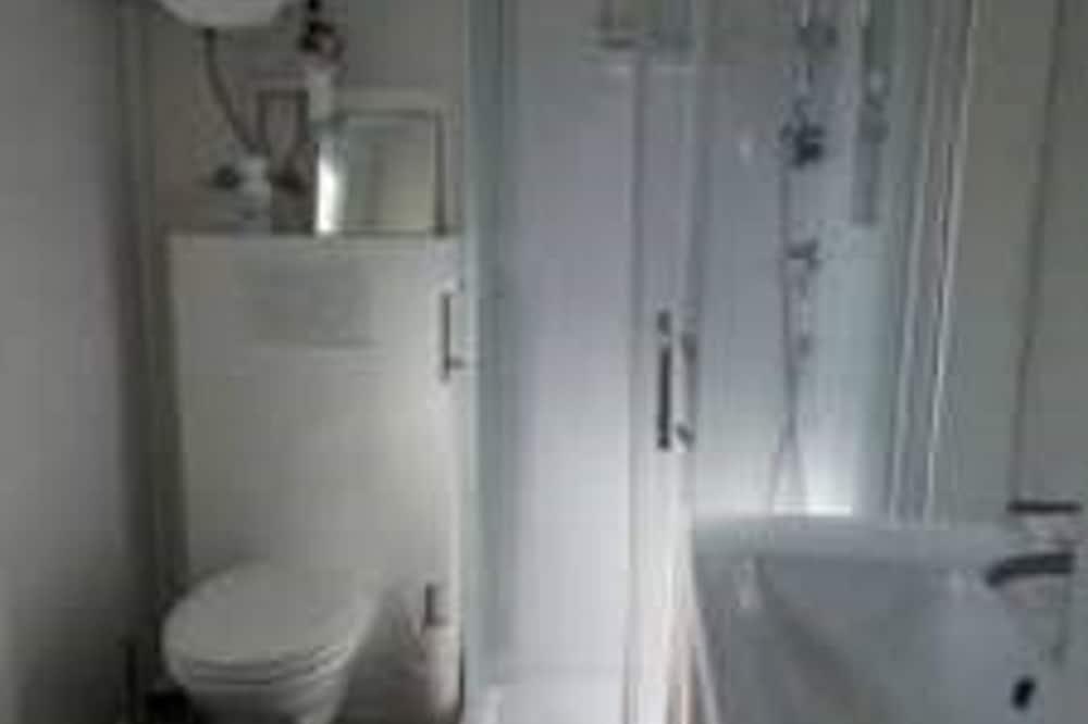 Lejlighed - eget badeværelse (Molinel) - Badeværelse