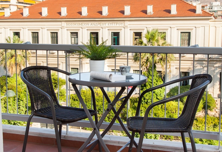 Μοντέρνο κομψό διαμέρισμα στο κέντρο της Αθήνας, Αθήνα, Διαμέρισμα, Θέα από το μπαλκόνι