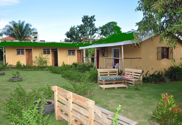 Tamasha Bed and Breakfast, Entebbe, Сад