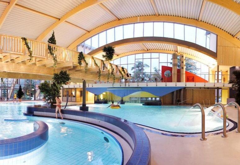 Vacation Home Hasseröder Ferienpark in Wernigerode - 8 Persons, 3 Bedrooms, Вернігероде, Басейн