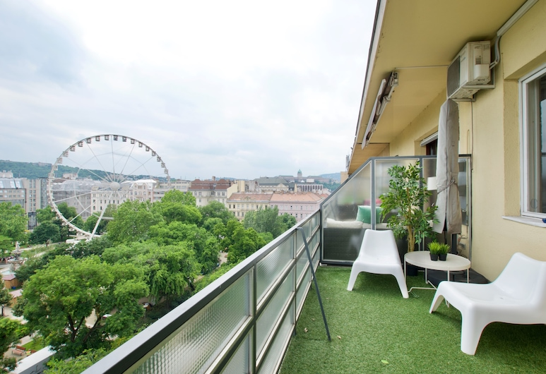 Standard Apartment by Hi5 - Incredible view with terrace, Budapešť