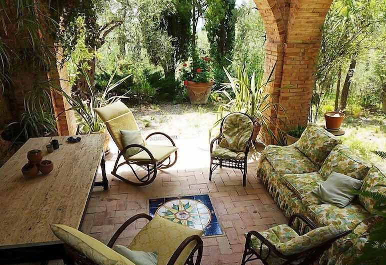 Vacation Home Falcesca in Buccino - 6 Persons, 3 Bedrooms, بوتشينو, شُرفة