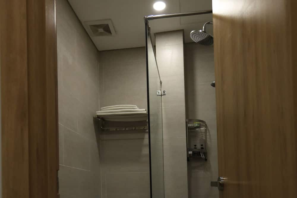 Kamar Single Basic - Kamar mandi