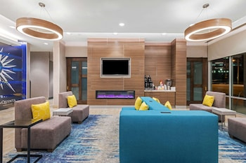 Fotografia hotela (La Quinta Inn & Suites by Wyndham Kansas City Beacon Hill) v meste Kansas City