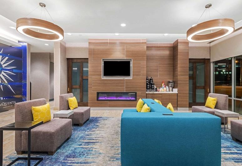 La Quinta Inn & Suites by Wyndham Kansas City Beacon Hill, Kansas City, Lobby