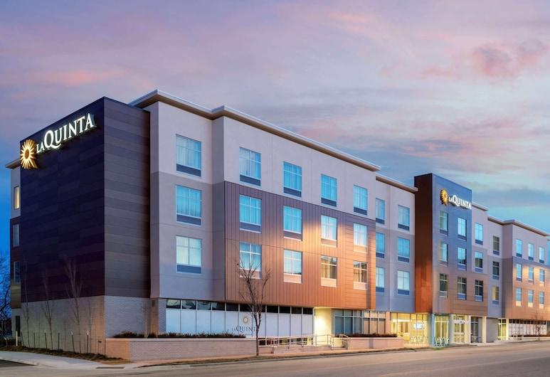 La Quinta Inn & Suites by Wyndham Kansas City Beacon Hill, Kansas City