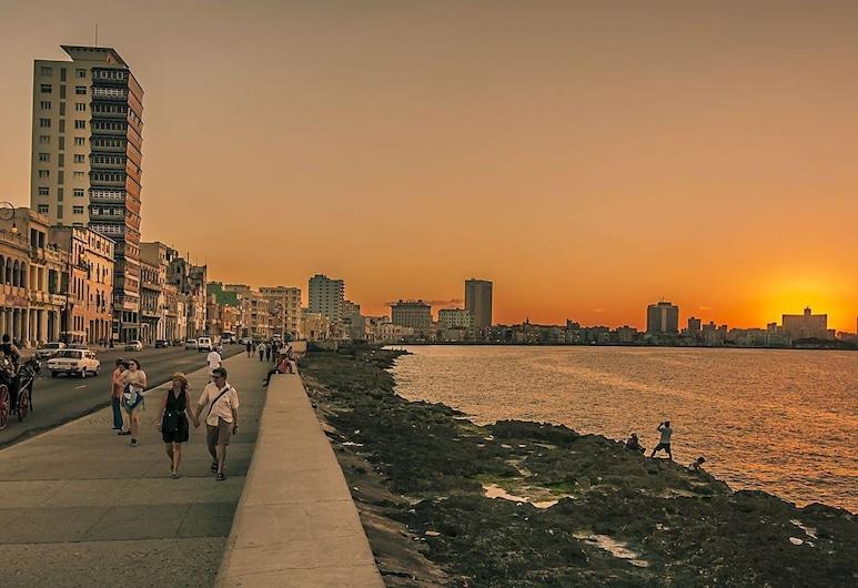 Apartamento Acanda - 50 Meters To Havana Malecon, Havana