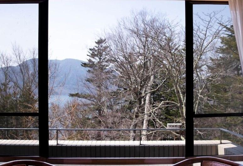 Lake Side Nikko Hotel, Nikas, Tradicinio tipo kambarys, bendras vonios kambarys, vaizdas į kalnus (Japanese Style), Vaizdas iš balkono
