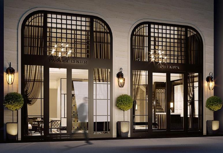 Hanoi Paradise Center Hotel & Spa, Hanoi, Viešbučio fasadas vakare / naktį