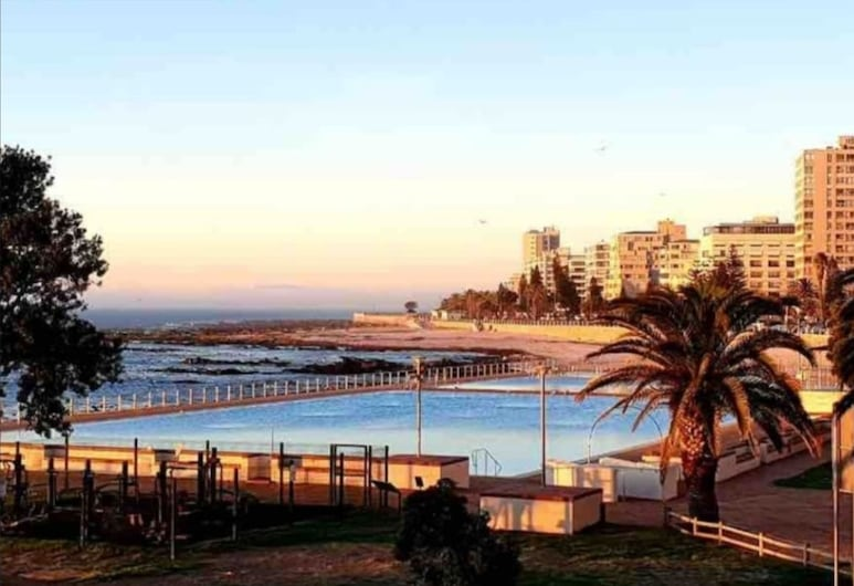 2 Bedroom Lido Apartment Sea Point, Cape Town, Apartment, Water view