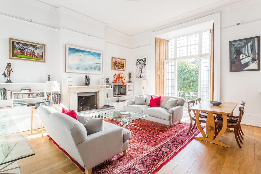 Pembridge Villas IV by Onefinestay