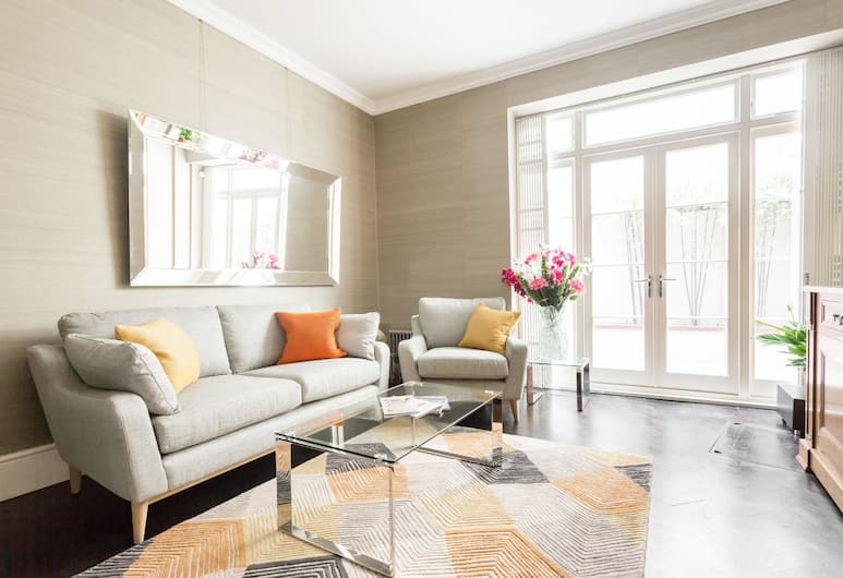 Groom Place Mews by Onefinestay, London