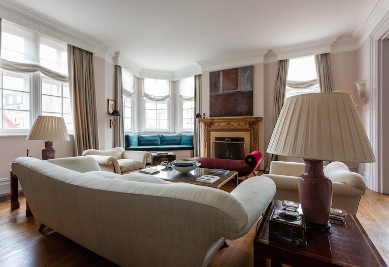 South Audley Street III by Onefinestay, Lontoo, Huoneisto (3 Bedrooms), Olohuone