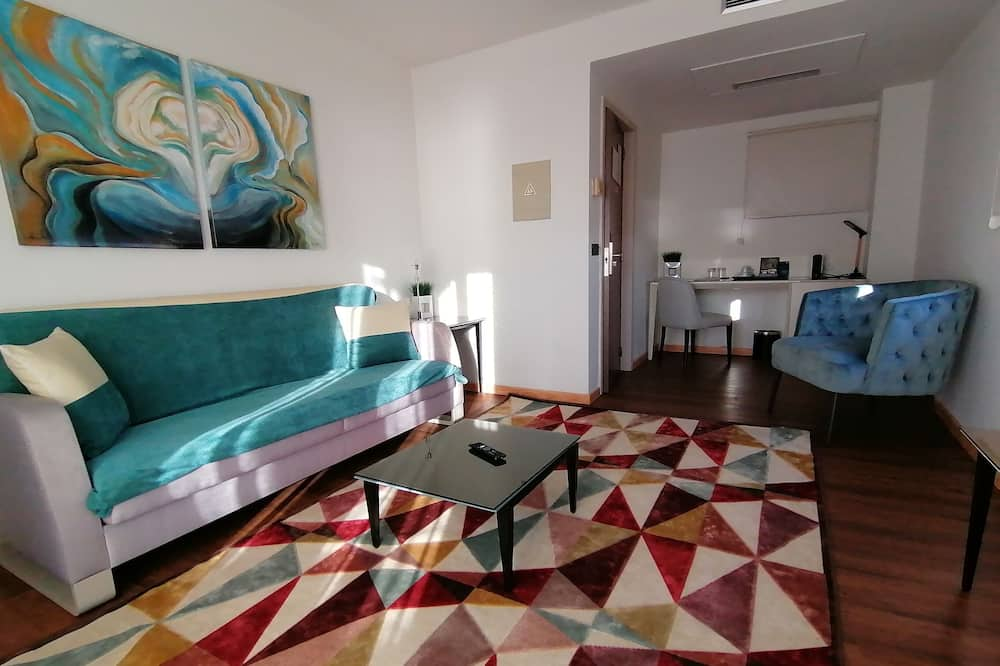 Suite (Master) - Living Room