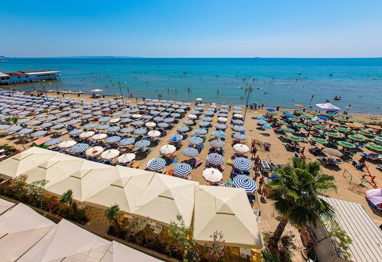 호텔 리바, 두르레, 해변