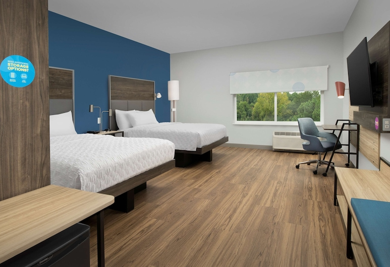 Tru by Hilton Charlotte Airport Lake Pointe, Charlotte, Room, 2 Queen Beds, Accessible (Roll-In Shower), Guest Room