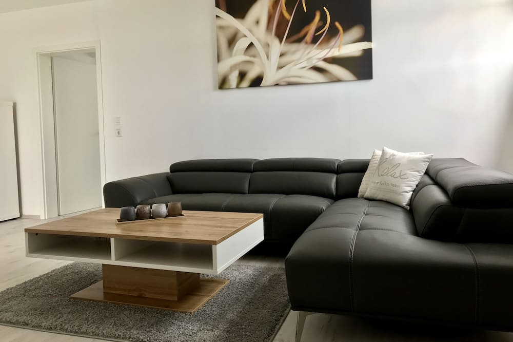 Comfort Apartment, 2 Bedrooms, Non Smoking - Living Area
