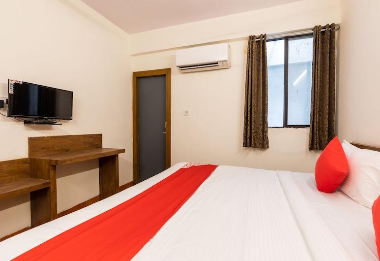 OYO 28360 Hotel Rajdeep, Goharganj, Quarto