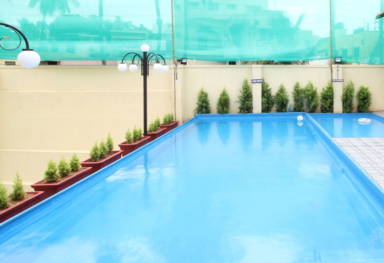 OYO 29068 The Green Petal Resort, Gwalior, Piscina Exterior