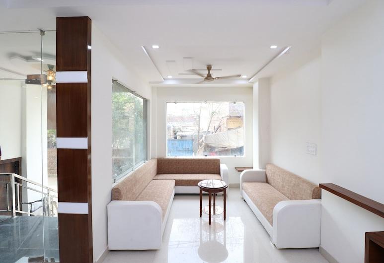 OYO 42691 Rhythm Residency, Agra, Priestory na sedenie v hale
