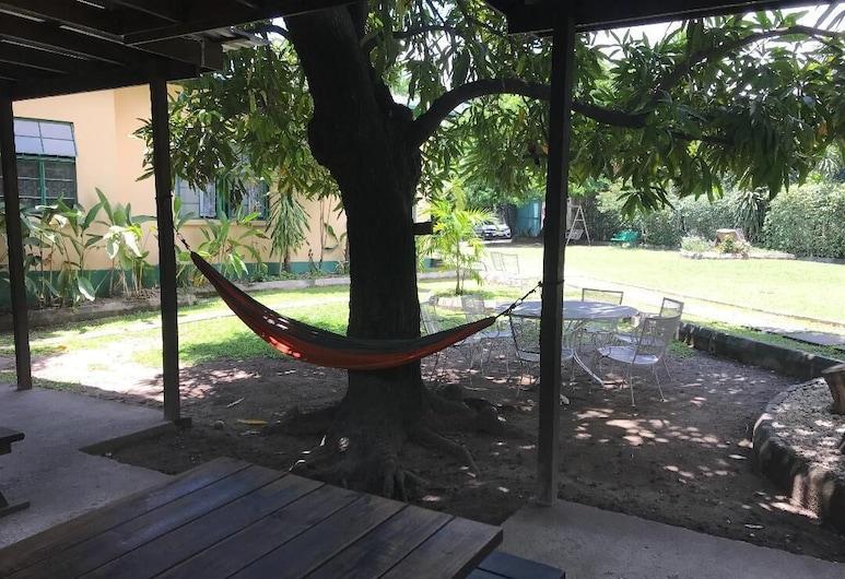 Manor Park Private Room, Kingston, Balcony