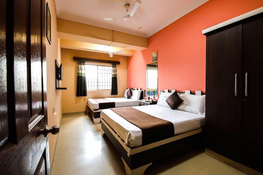 Executive Quadruple Room - Guest Room