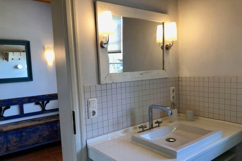 Liukso klasės namas, atskiras vonios kambarys, vaizdas į lagūną (Landhaus am Achterwasser) - Vonios kambarys