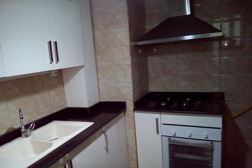 Apartamentai šeimai, 2 miegamieji - Vakarienės kambaryje