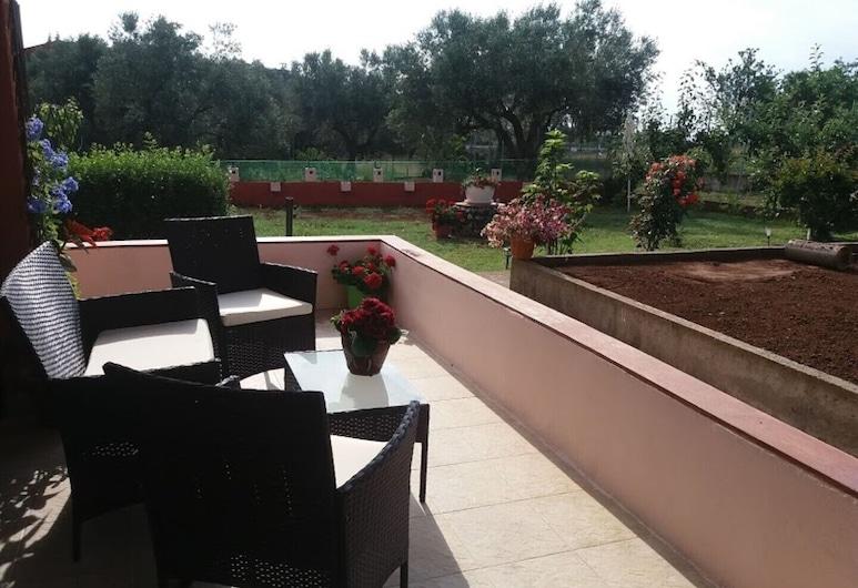 Dora's Garden, Alexandroupoli