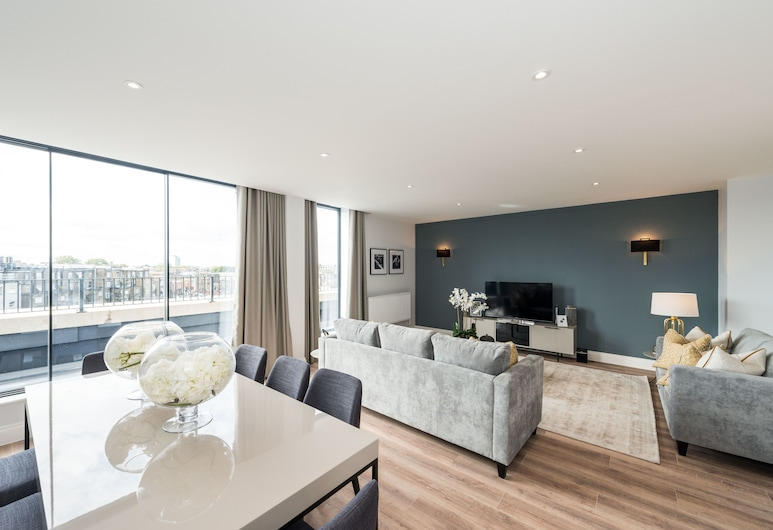 The Carlyle - Elegant Serviced Apartments, London, Luxury Apartment, 4 Bedrooms, Living Area