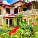 Green Edge Residences