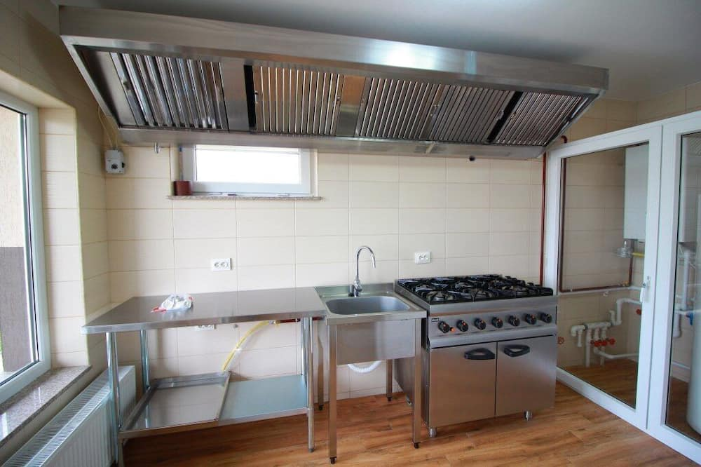 Basic Double or Twin Room - Shared kitchen