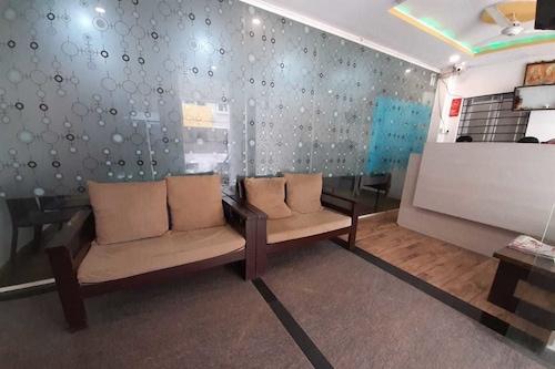 安姆布羅西亞酒店及服務式公寓酒店/