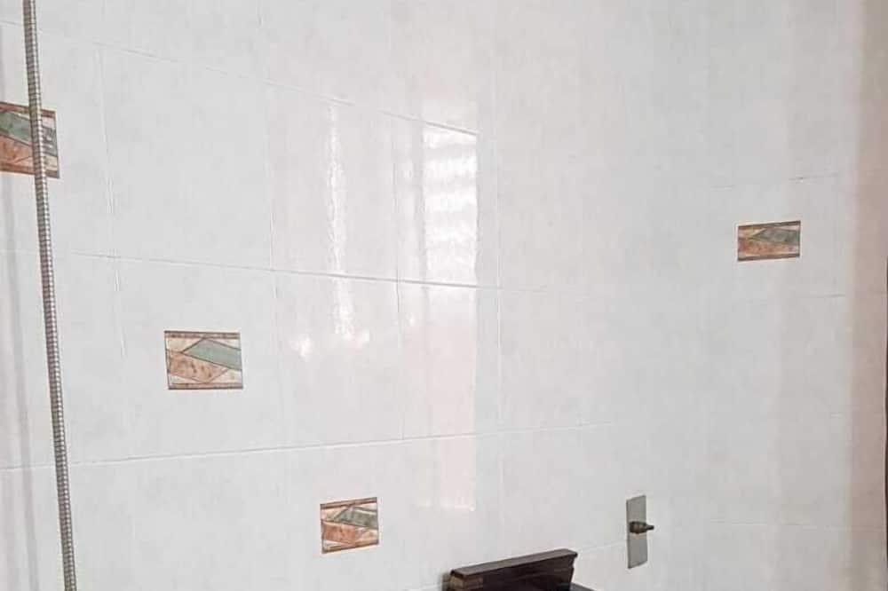 ห้องดีลักซ์ดับเบิล, ห้องน้ำรวม (Balcony) - ห้องน้ำ