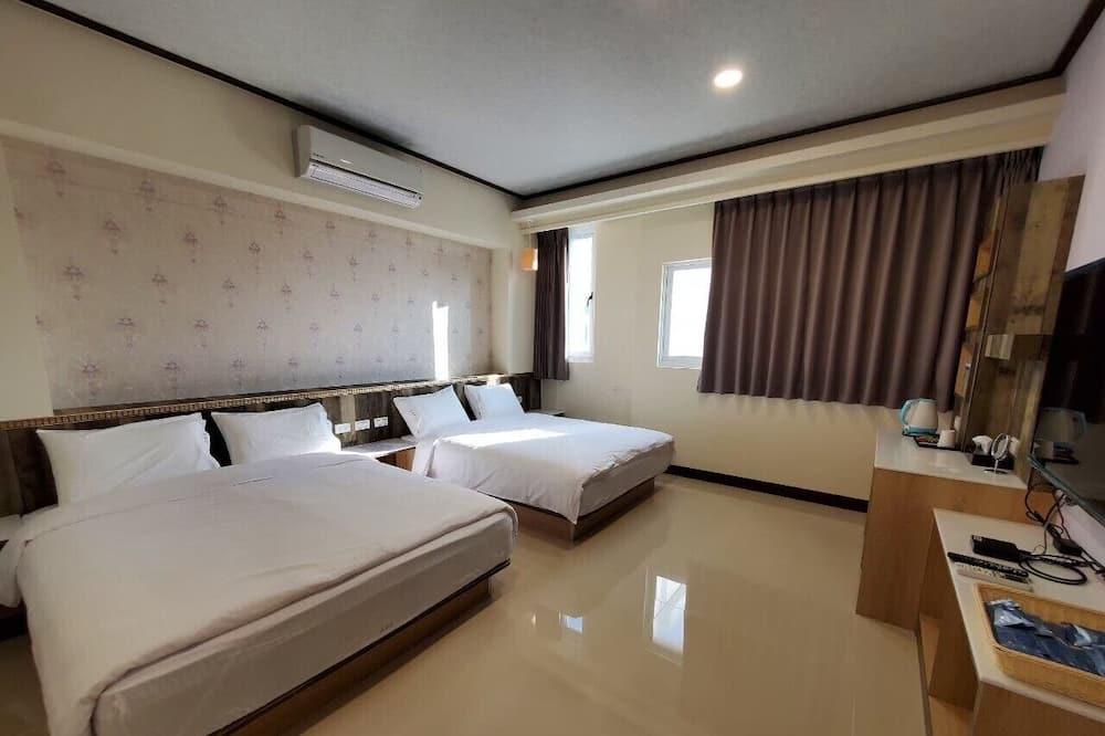 Quadruple Room (201) - Guest Room