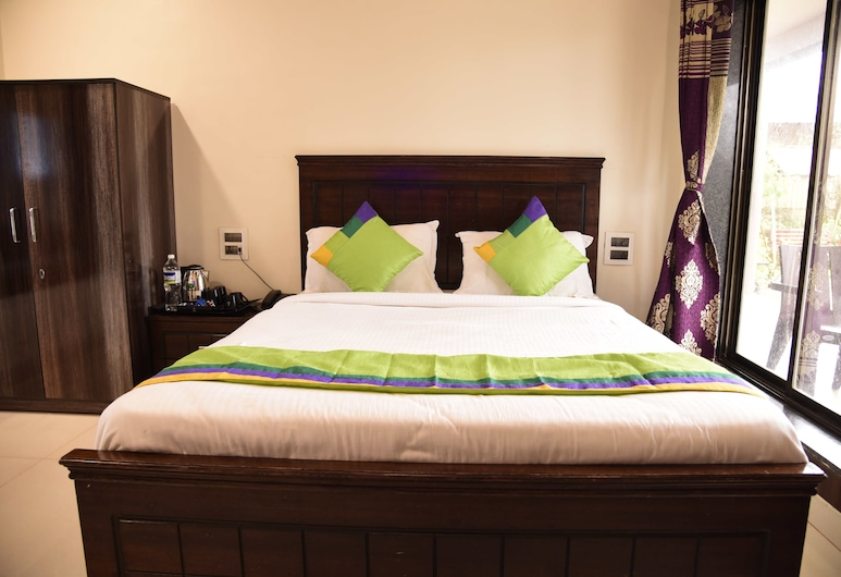 Treebo Trend Garden Cottage & Lawn, Mahabaleshwar, Standard Room, Guest Room