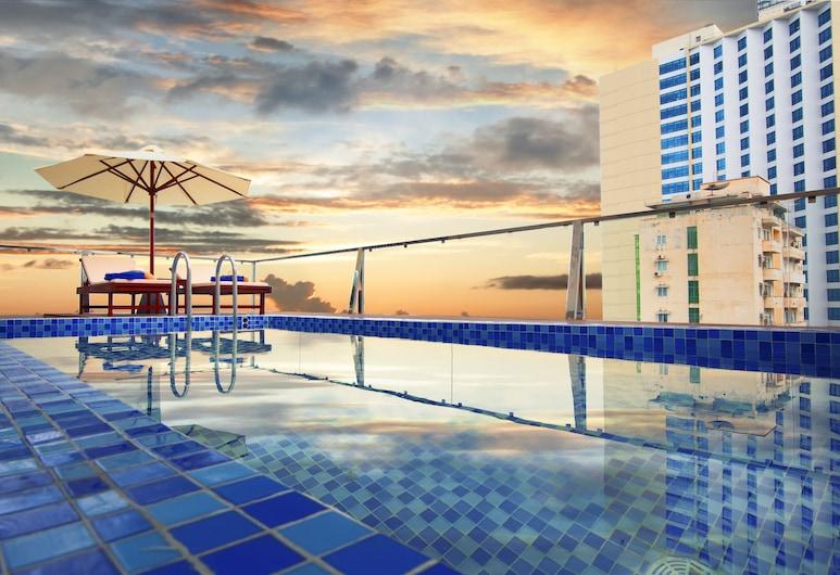 Golden Lotus Central Hotel, Nha Trang, Rooftop Pool