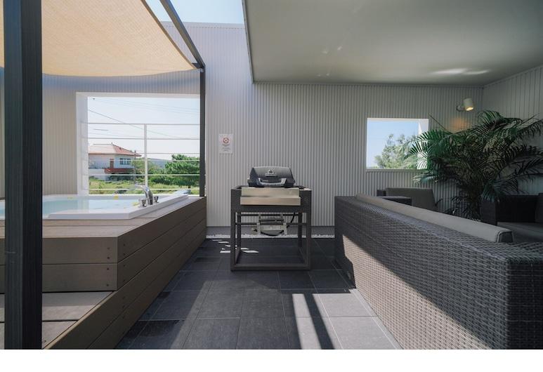 Viila COLORS B, Onnason, Villa de Luxo, 3 Quartos, Não-fumadores (Coral), Terraço/Pátio Interior