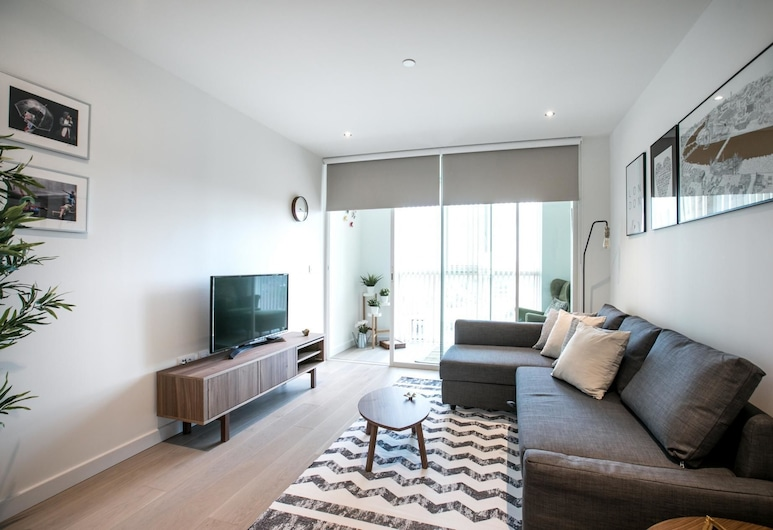 Bright 1 Bedroom Flat With Amazing Rooftop!, London