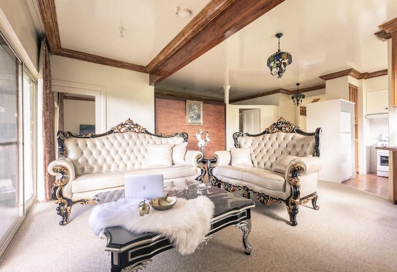 Shakespearean Inspired Holiday Resort, אולינדה, Shakespearean Inspired Camelot Tower, אזור מגורים