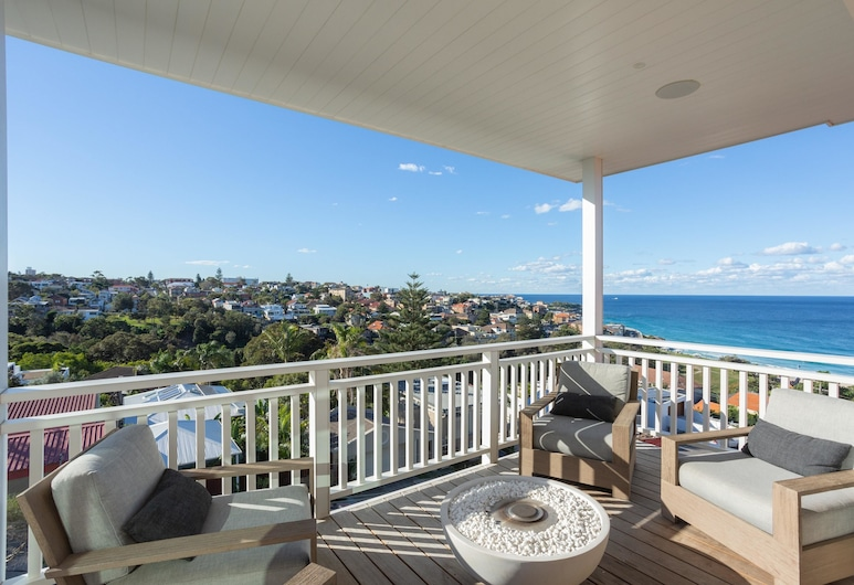 Bronte Pacific Views by Onefinestay, Bronte