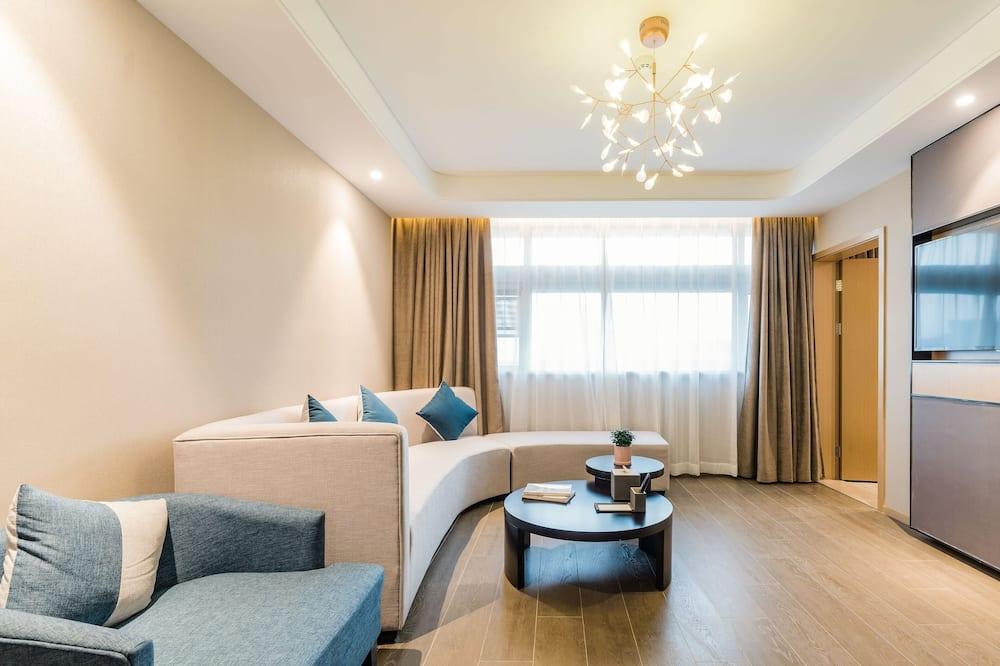 Family Room (Premier) - Living Room
