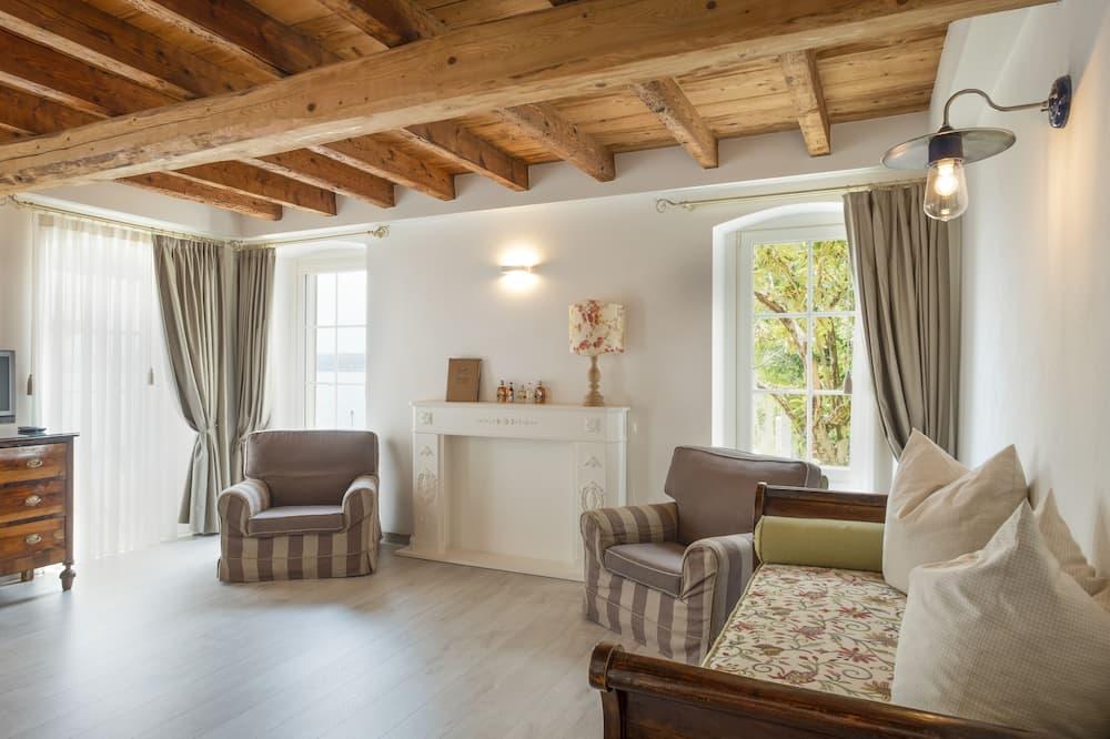 جناح ديلوكس - بمنظر جزئي للبحيرة - غرفة معيشة