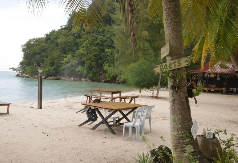 Wild Pasir Panjang Villas, Pulau Tuba, Hotel Bar