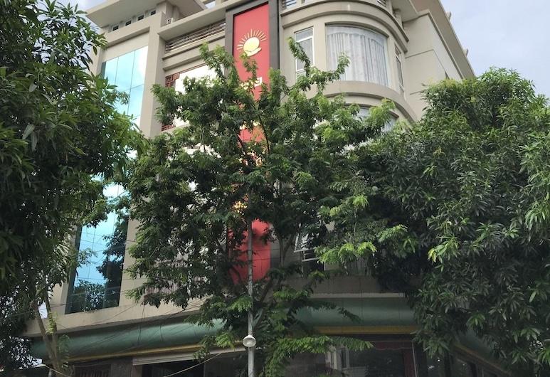Khách sạn Hải Yến, Từ Sơn