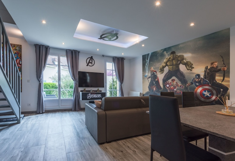 Avengers house in Disneyland, Magny-le-Hongre, Apartment, Ensuite (Avengers House), Lounge